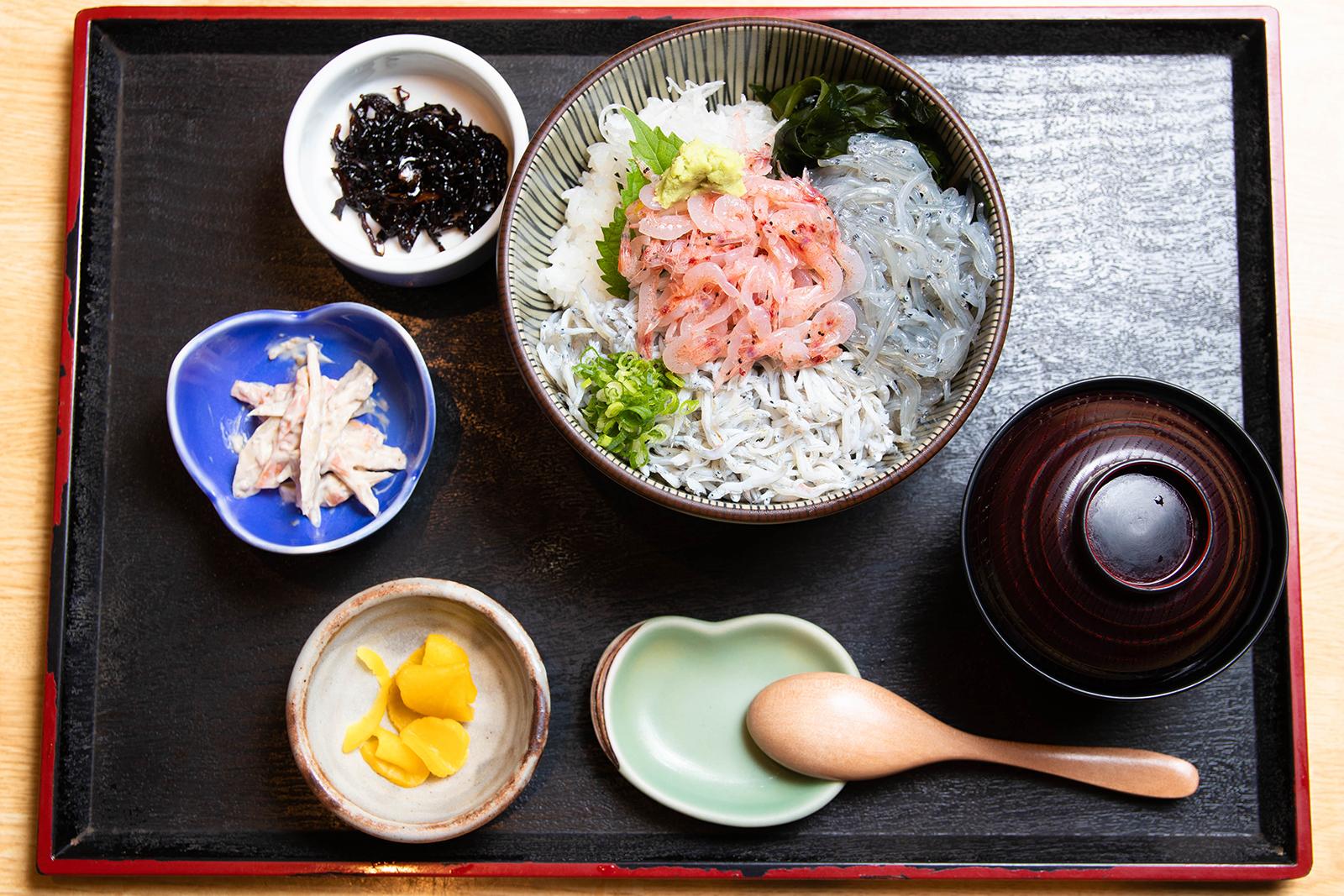 三色丼 ¥1,580【税込】