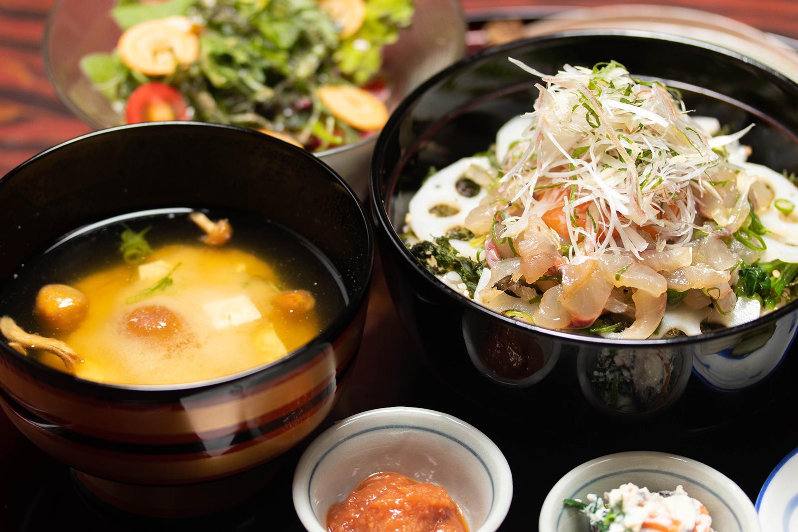 竜田 アジの和風ビビンバ定食