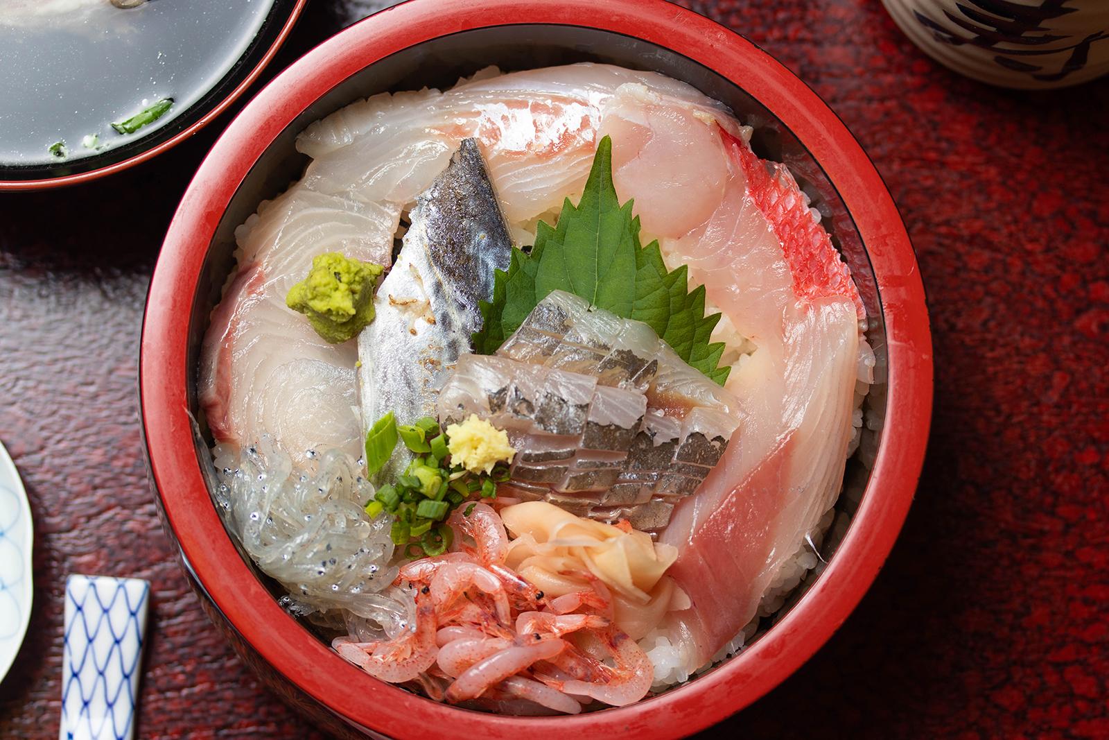 金目鯛も入った海鮮丼!